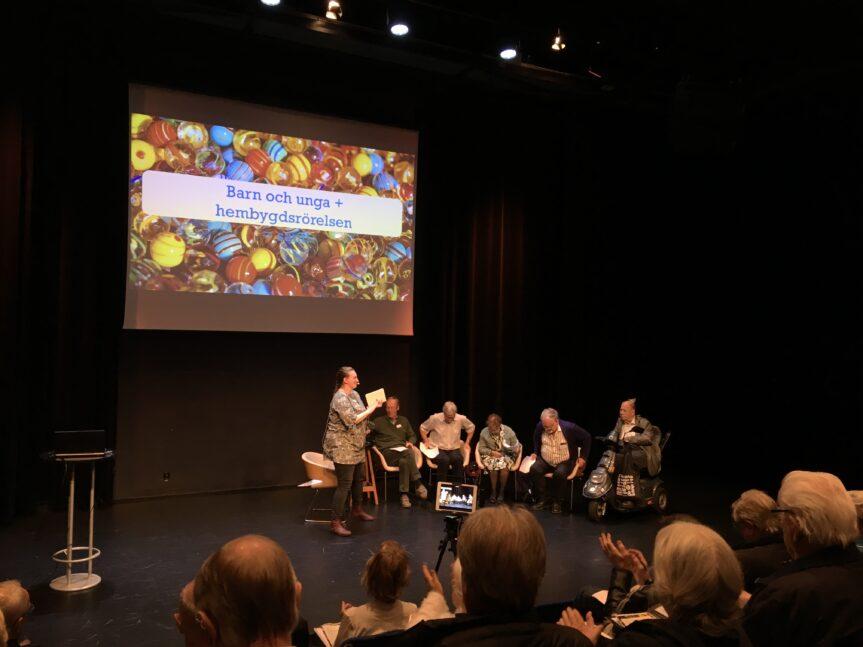 """Hembygd 2.0 presenterad på konferensen """"Barn och ungas hembygd"""" i Hässleholm."""